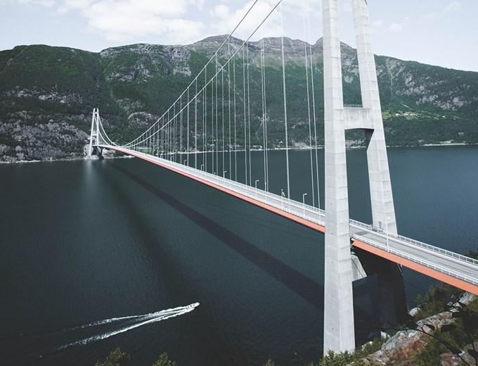 Bilde av Hardangerbroen.
