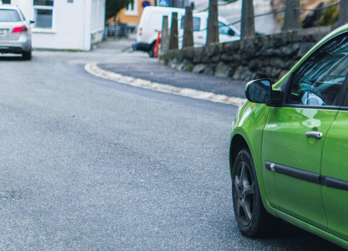 Bilde av grønn bil